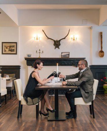 restaurant-small